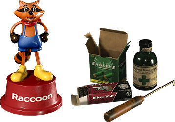 Survival Resources Pack & Mr. Raccoon Weapon Charm
